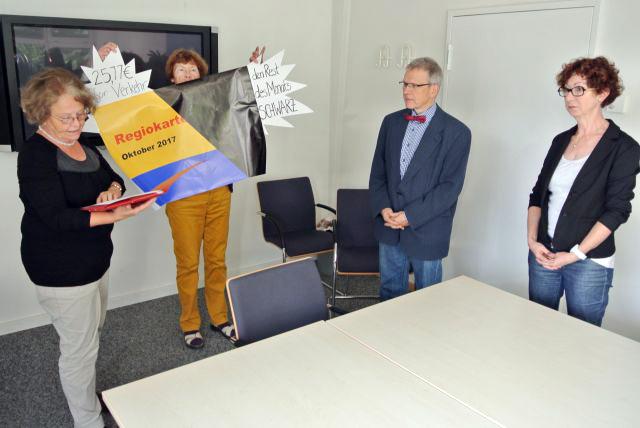 Kreisdezernenten Eva-Maria Münzer (Soziales) und Thomas Wisser (Finanzen)